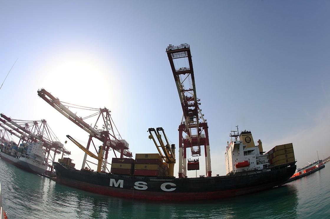 رشد 59 درصدى صادرات و رشد 160 درصدى ترانزیت از بزرگترین بندر کانتینرى کشور