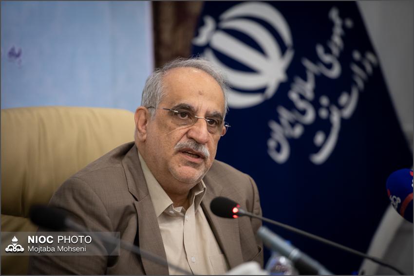 آغاز عملیات بارگیری نخستین محموله صادراتی نفت ایران از جاسک و دریای عمان